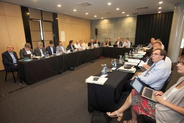Los fabricantes europeos de recubrimientos cerámicos se reúnen en España